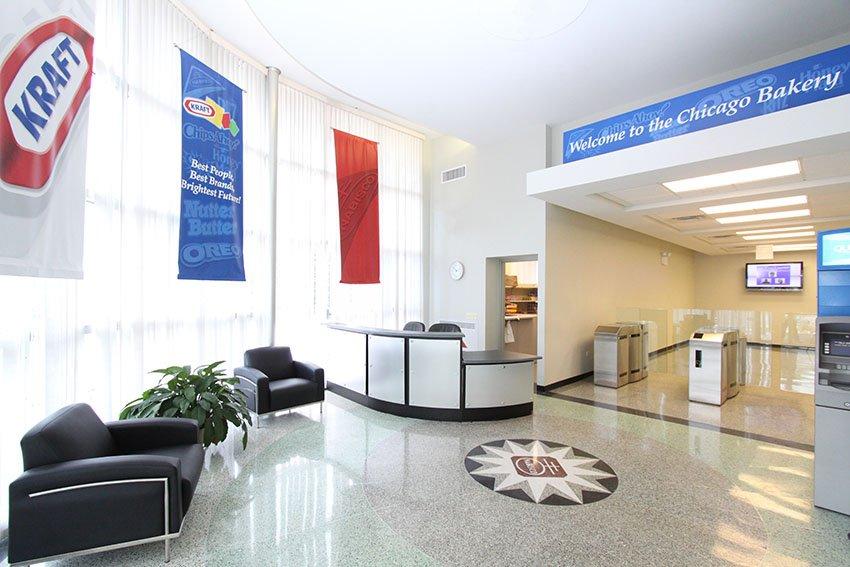 Kraft nabisco foods employee entrance vavrek architects inc - Kraft foods chicago office ...
